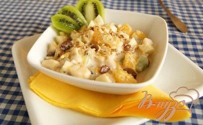 Рецепт Фруктовый салат в клубничном йогурте
