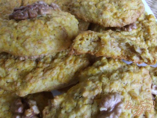фото рецепта: Печенье овсяное с тыквой и грецкими орехами