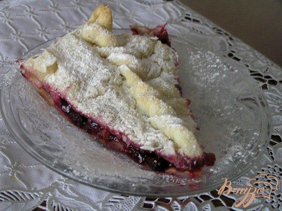 Рецепт Слоеный пирог с яблоком и смородиной
