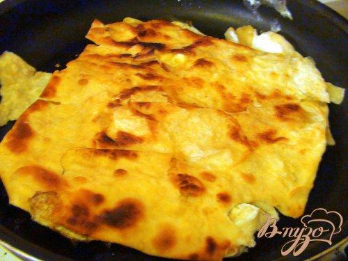 Лаваш, с яйцом и жареным сыром. Мой идеальный завтрак.