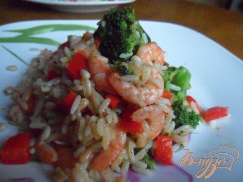 Креветки с рисом и кедровыми орешками