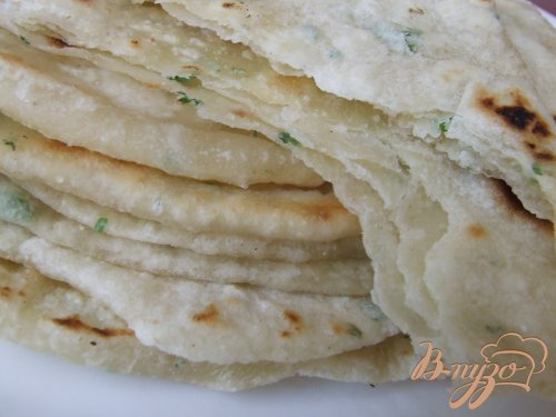 Парата, индийский хлеб с пряностями