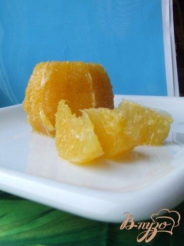 Апельсиновый салат с маслинами и луком.