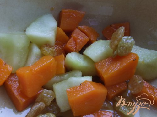 Десерт с запечеными тыквой и яблоком