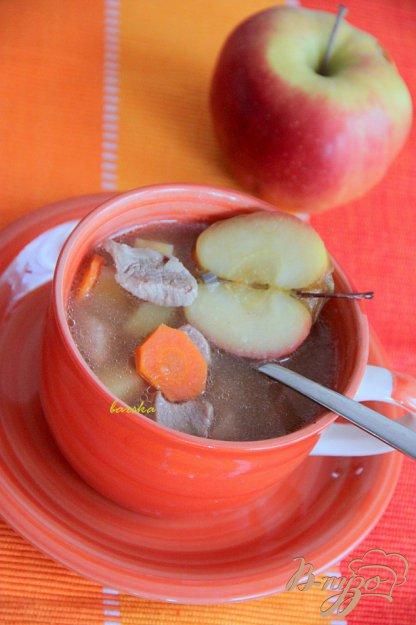 фото рецепта: Суп из свинины с яблоком
