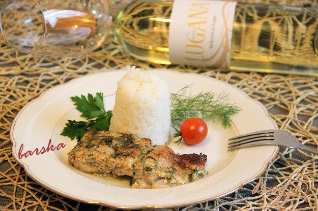 фото рецепта: Рыбка в йогуртово-сметанном соусе с зеленью