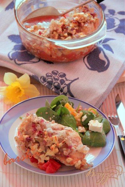 Рецепт Куриные грудки на томатной сальсе, под брынзой