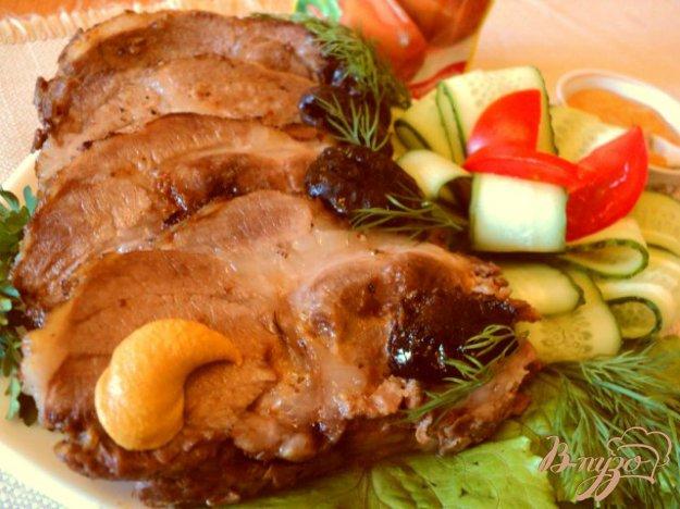 Рецепт Свинина запеченная с черносливом.