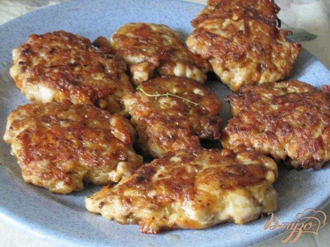 Фото приготовление рецепта: Куриные котлеты шаг №3