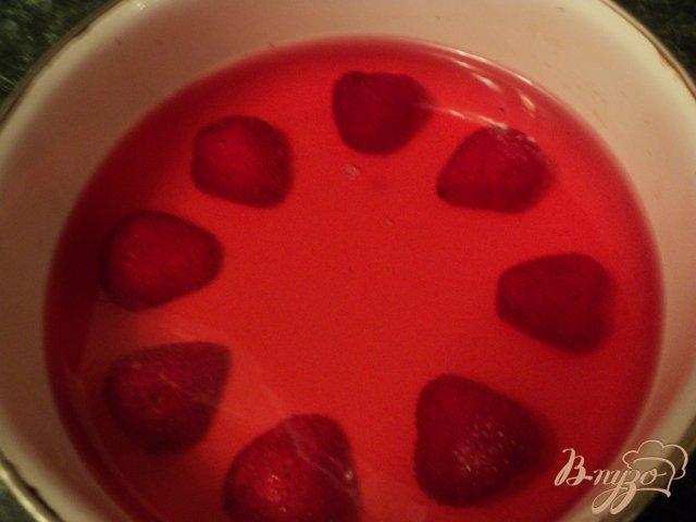 Фото приготовление рецепта: Торт «Красное и белое» шаг №1