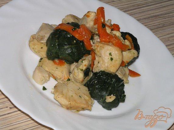 Рецепт Куриные грудки со шпинатом и морковью