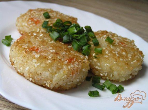 Рецепт Рисовые котлеты в кунжутной панировке (постные)
