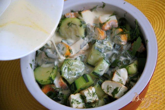 Фото приготовление рецепта: Кассероль из кабачков, хлеба и сыра шаг №5