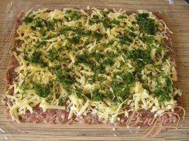 Мясной рулет с сыром и зеленью