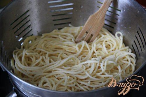 Спагетти в сливочном соусе с шампиньонами, шпинатом и горгонзолой