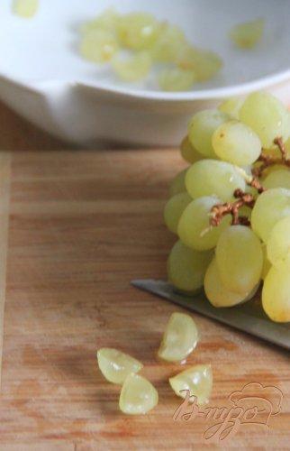 Кростини с козьим сыром и виноградной сальсой