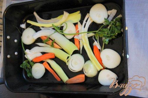 Карп, запечённый с овощами, в пиве