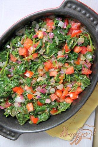 Запеканка-пирог из риса со шпинатом и помидорами