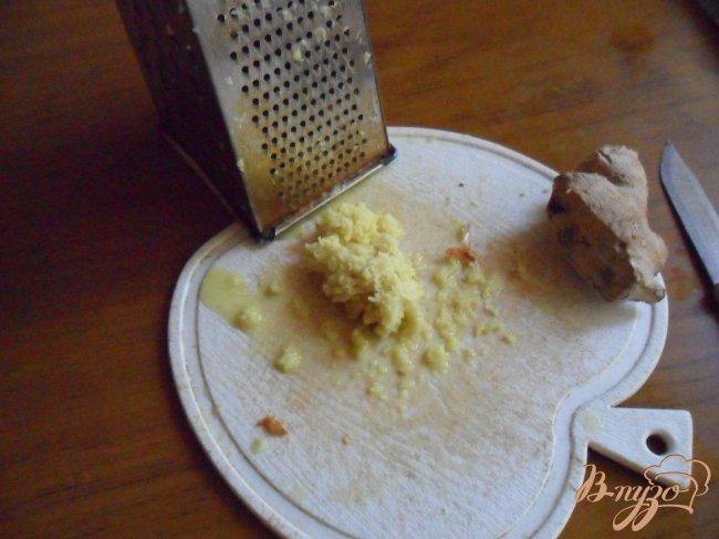 Фото приготовление рецепта: Яблочно-имбирный джем шаг №3