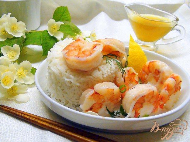 Рецепт Креветки и рис, приготовленные на пару с жасминовым соусом.