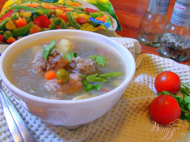 фото рецепта: Густой супчик для вечно занятых мамочек с мясными клёцками, гречкой и овощами.