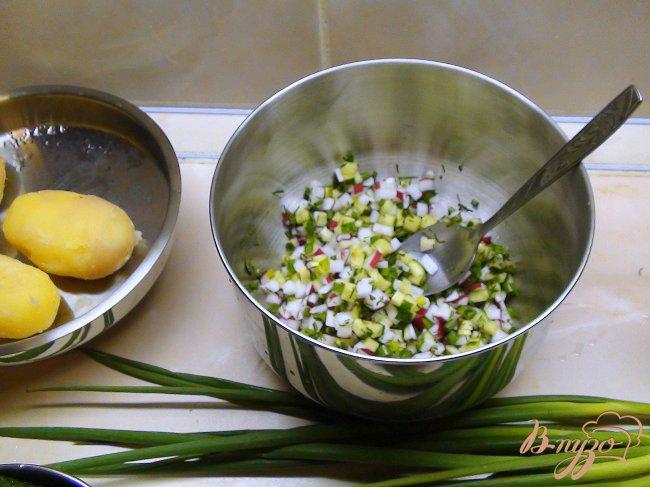 Фото приготовление рецепта: Рыбная белая окрошка. Летний суп. шаг №3