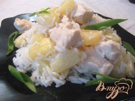 Филе куриное с ананасами и рисом
