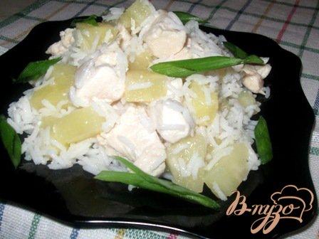 фото рецепта: Филе куриное с ананасами и рисом