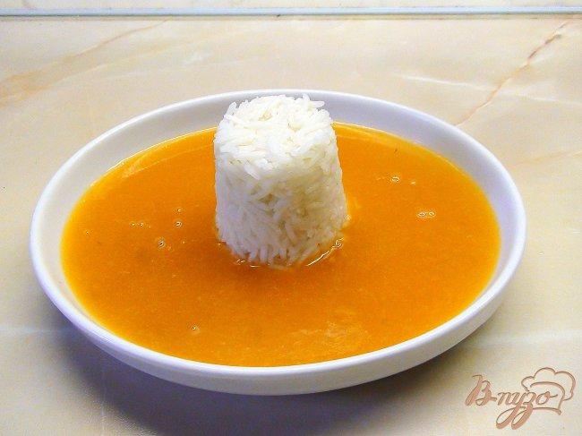 Фото приготовление рецепта: Фруктовый суп-пюре с заварным соусом и рисом. шаг №6