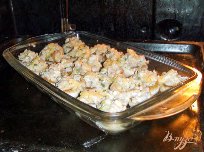 Фото приготовление рецепта: Грибы фаршированные, фуршетные, карпаччо из куриной грудки. шаг №7