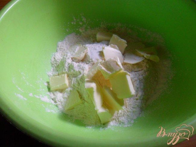 Фото приготовление рецепта: Сырно-шпинатный киш с томатами черри шаг №1