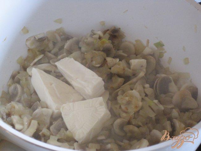 Фото приготовление рецепта: Быстрый грибной суп. шаг №4