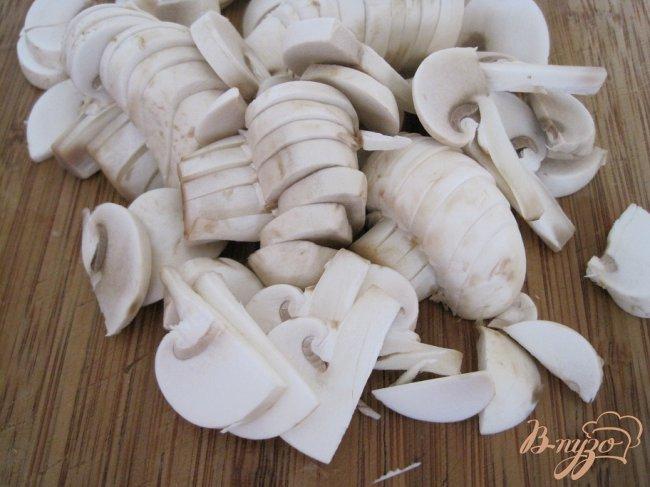 Фото приготовление рецепта: Быстрый грибной суп. шаг №2
