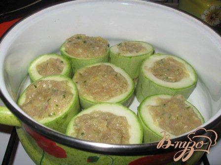Фаршированные кабачки в соусе из опят и шампиньонов