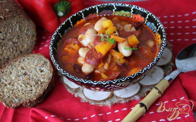 Фото приготовление рецепта: Острый фасолевый суп с  Chorizo шаг №6