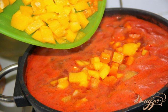 Фото приготовление рецепта: Острый фасолевый суп с  Chorizo шаг №5