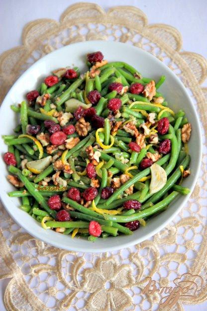 Рецепт Запечёная стручковая фасоль с грецкими орехами и вяленой клюквой