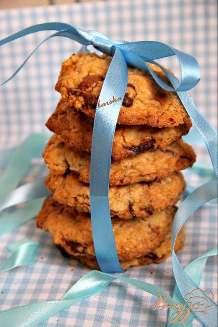 Фото приготовление рецепта: Овсяное печенье сшоколадкой шаг №4