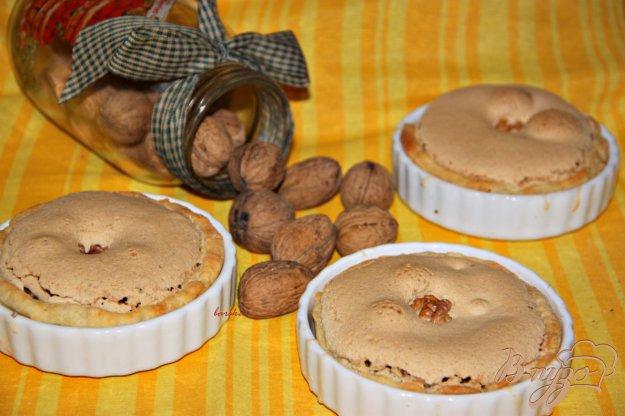 Рецепт Творожные корзиночки с ореховой начинкой под безе