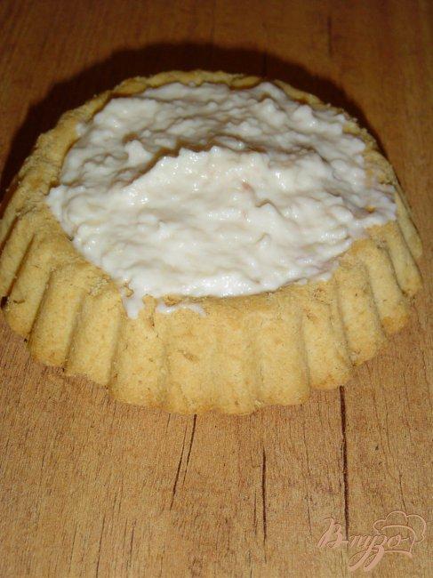 Фото приготовление рецепта: Тарталетки с творожным кремом и малиной шаг №1