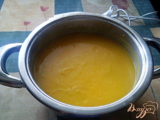 Фото приготовление рецепта: Суп-пюре из тыквы шаг №6