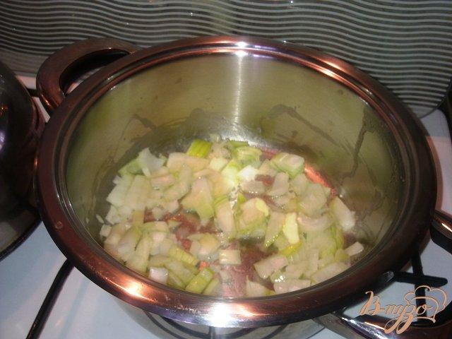 Фото приготовление рецепта: Суп-пюре из тыквы шаг №1