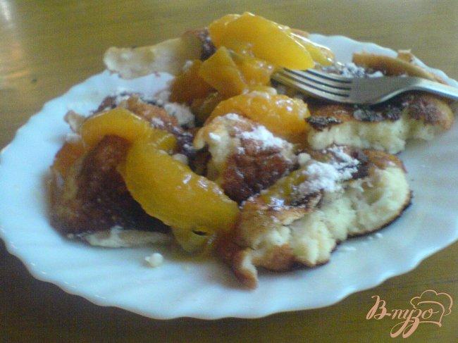 Фото приготовление рецепта: Королевский омлет с абрикосами шаг №9
