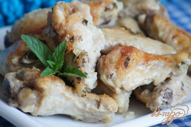 Рецепт Куриные крылышки в мятно-йогуртовом маринаде