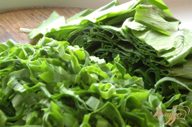 Фото приготовление рецепта: Салат с черемшой шаг №3