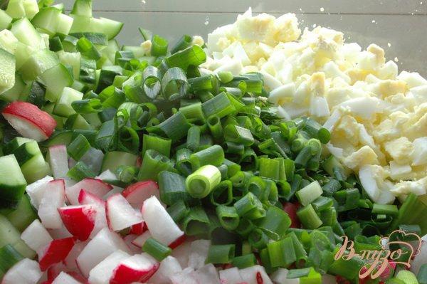 Фото приготовление рецепта: Салат с черемшой шаг №5