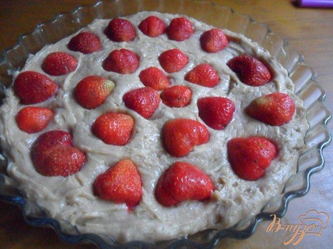 Фото приготовление рецепта: Итальянский клубничный тарт шаг №4