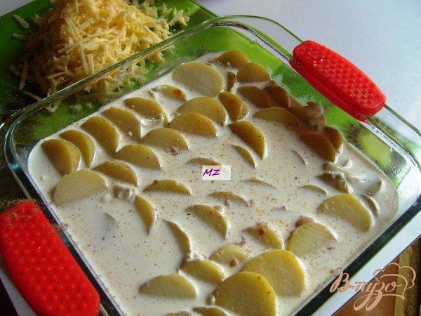 Фото приготовление рецепта: Картофельный гратен дофинуа шаг №2