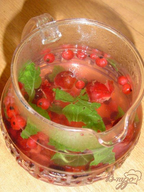Фото приготовление рецепта: Чай «Фруктово-ягодная песня» шаг №2