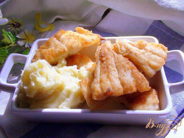 Рецепт Треска, жаренная в кукурузной муке с картофельным пюре.
